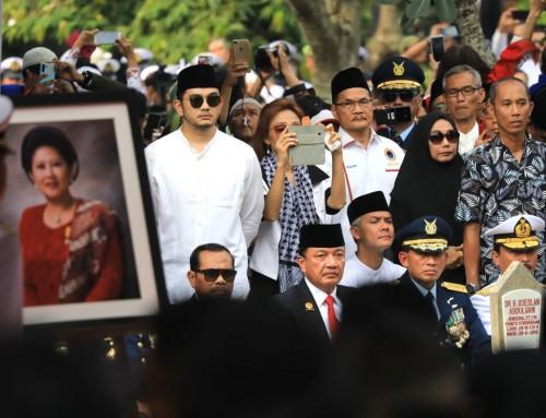 Ganjar Sebut Bu Ani Satukan Kembali Indonesia