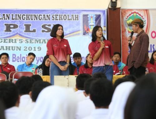 Di Sela Persiapan ASG, Atlet Voli Indonesia Sempatkan Memotivasi Siswa Baru