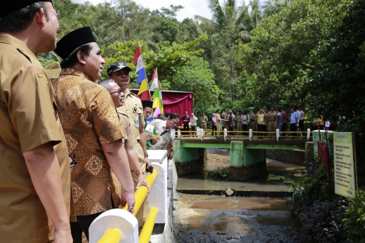 Jembatan Diresmikan, Warga Karangsalam Tak Lagi Nyemplung Sungai untuk Menyeberang