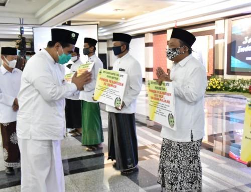 Hari Santri, Pemprov Jateng Berikan Penghargaan bagi 15 Duta Ponpes